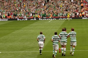 1280px-Celtic_celebrate_a_goal